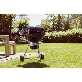 Weber Master-Touch GBS E-5770 Charcoal Grill Thumbnail Image 4