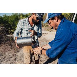 Yeti Rambler One Gallon Jug - Black Thumbnail Image 4