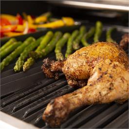 Broil King® Baron™ 490 Barbecue Thumbnail Image 5