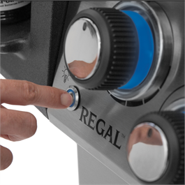 Broil King® Regal™ S 490 IR Gas Barbecue Thumbnail Image 5